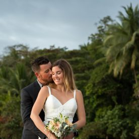 Bride and groom in Playa Uvita